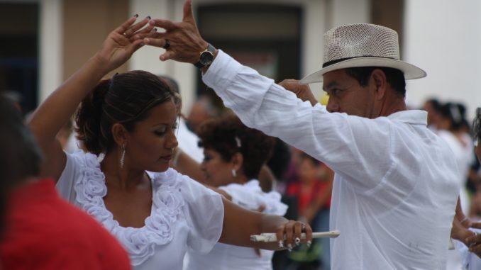 Best Salsa songs ever - Good salsa music for dancing